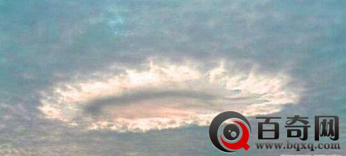 大气层竟藏着外星人靠捕猎鸟类为食